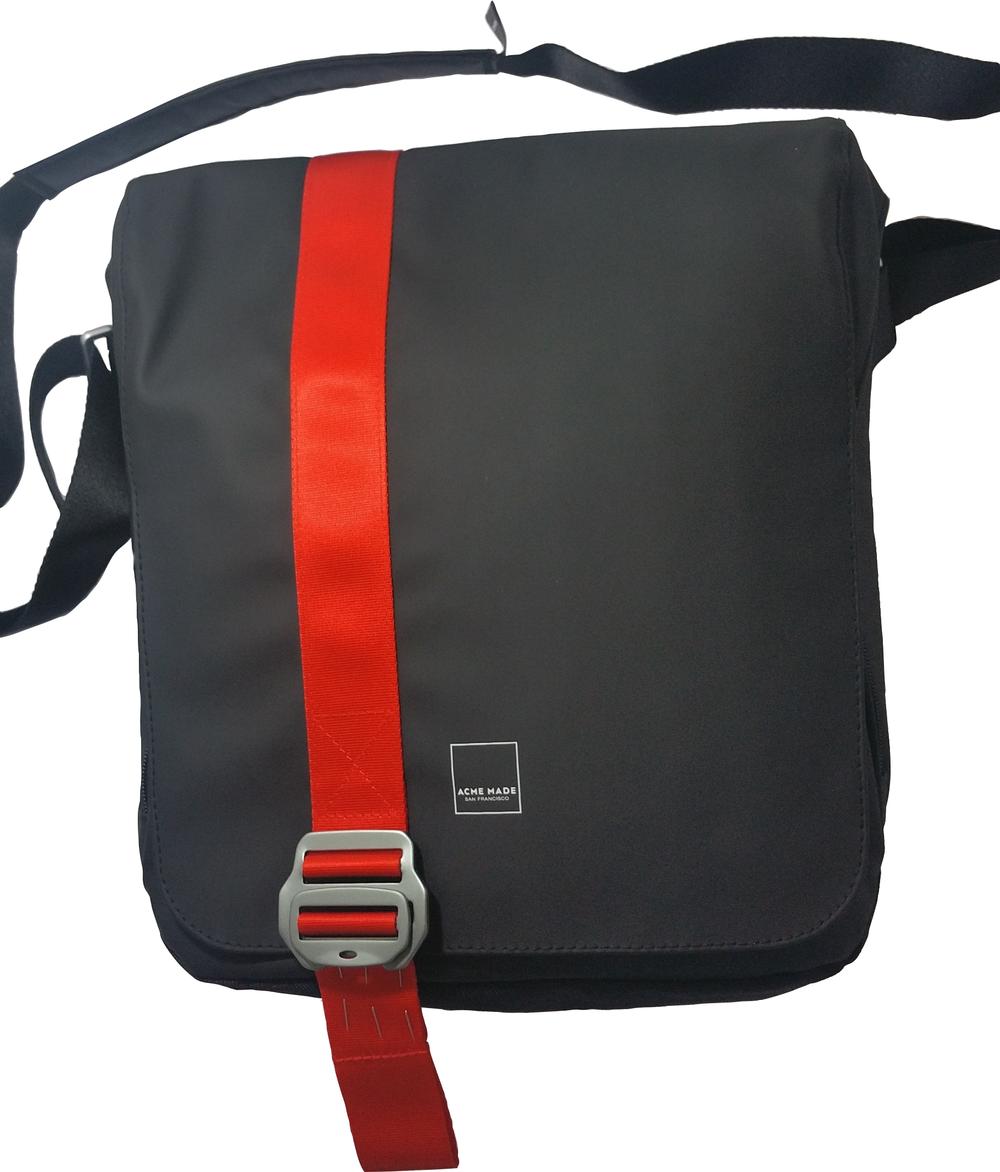 North Point Mini Messenger Bag  Matte Black